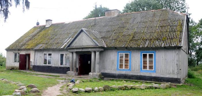 Ogień w drewnianym dworze z XIX w.