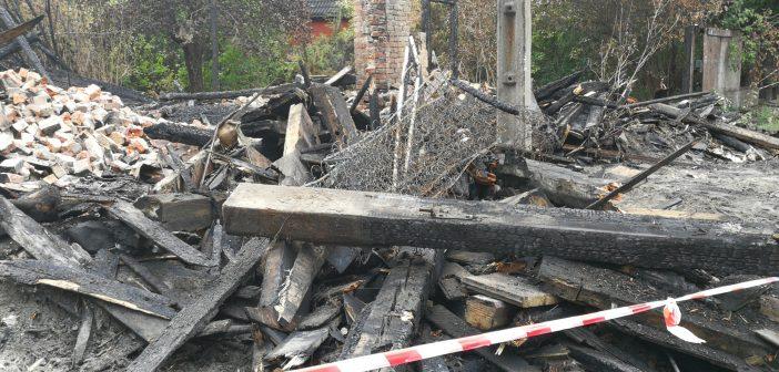 Spłonął drewniany dom na Targówku