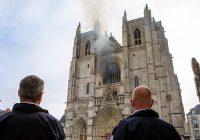 Aktualizacja: pożar katedry w Nantes
