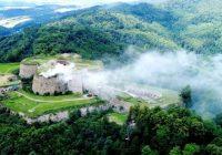 Pożar w twierdzy w Srebrnej Górze. Spłonęła zabytkowa strzelnica