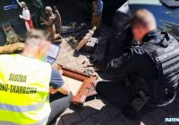 """Aktualizacja: """"Czerkiesi na koniach"""" oraz inne skradzione obiekty odzyskane przez funkcjonariuszy KAS i Policji"""